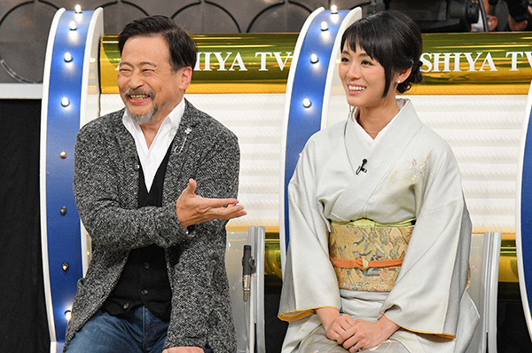 ラサール石井(61歳)と妻の桃圭さん(29歳)は、32歳差カップル