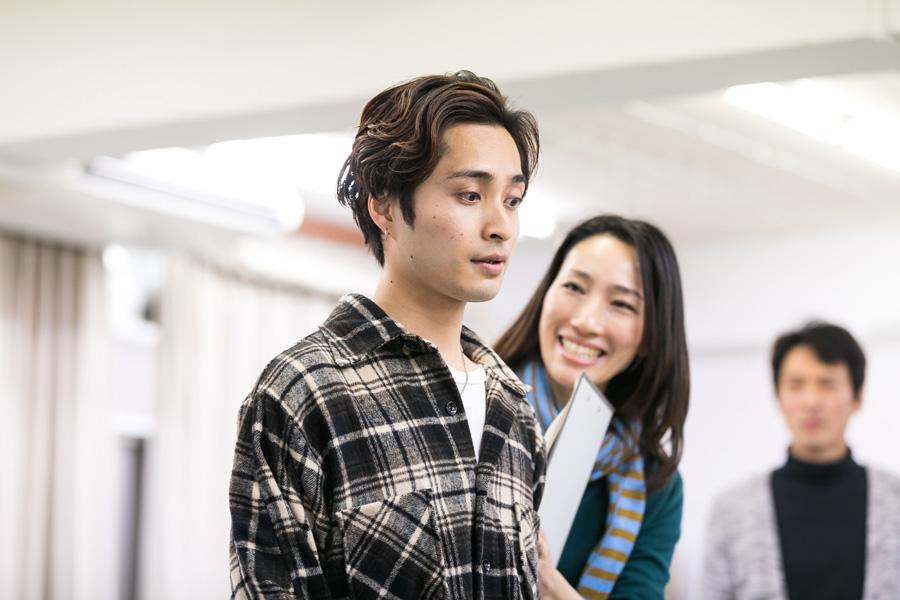 初の主演に力の入った稽古を続ける矢田悠祐 写真/平林孝棋