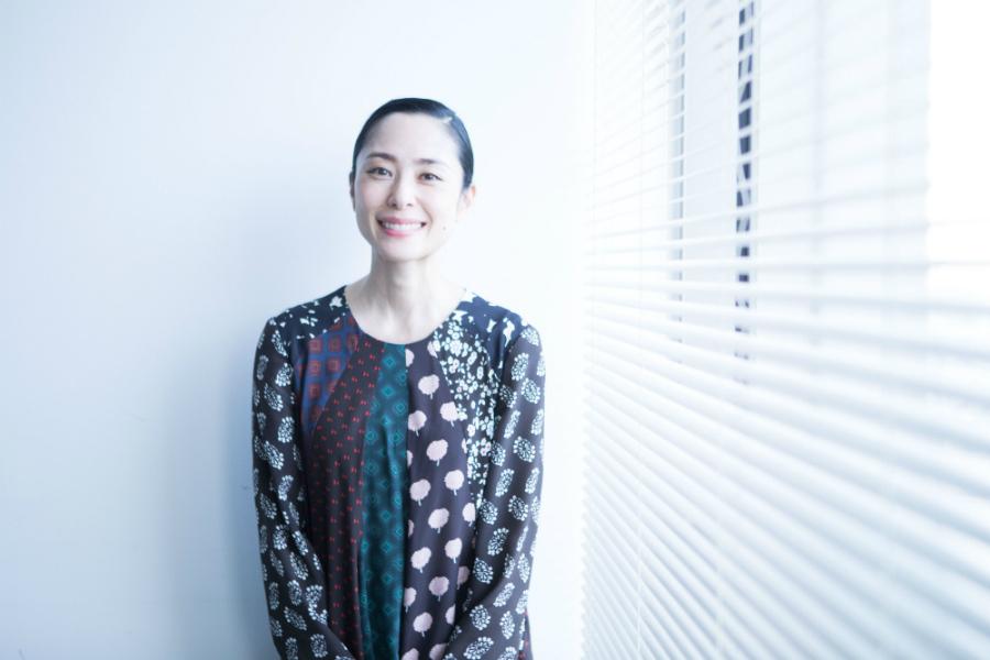 矢口史靖監督との再会に「嘘みたいにうれしくて!」と語った深津絵里