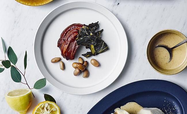 豚の角煮に見えて実は車麩を使ったもどき料理。台湾精進 素食研究家・松永智美さんのシピ。車麩のトンポーロー1ポーション389円(税込)