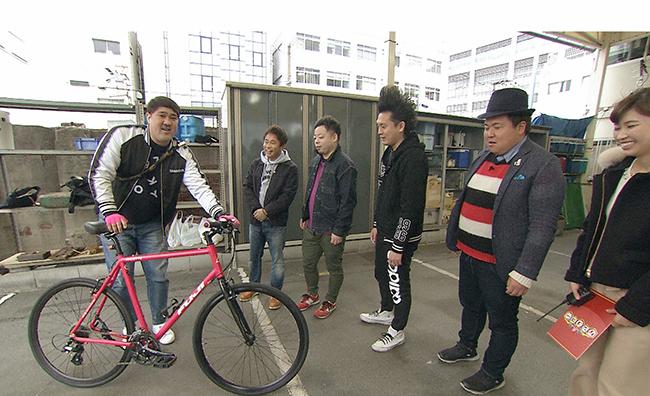 諸見里大介の愛車は、名車FUJIのクロスバイク