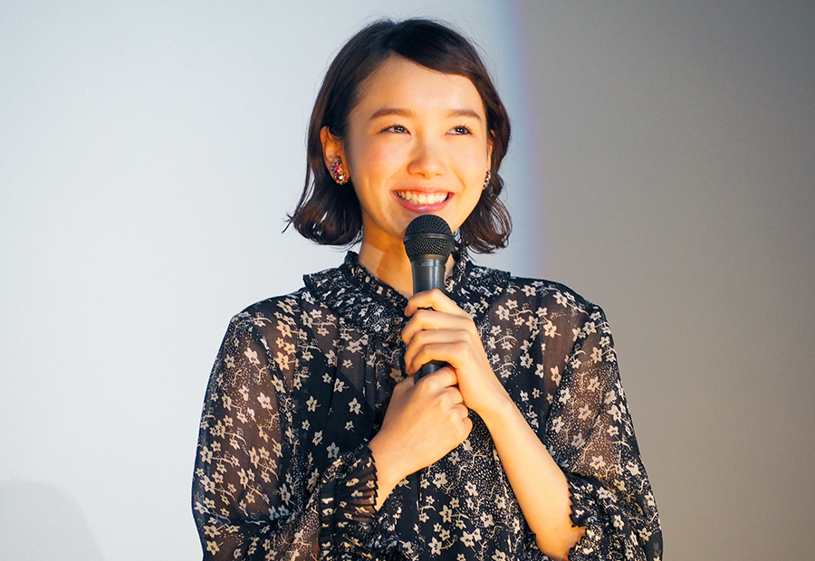 映画『きょうのキラ君』の舞台挨拶に登場した飯豊まりえ(10日・大阪市内)
