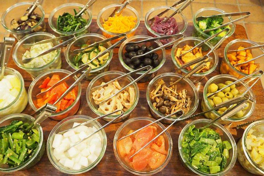 20種類もの野菜は女性に大人気。お酒のアテにもなりそう