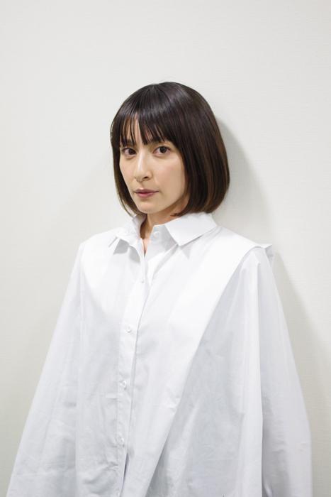 3月に東京と大阪で上演される舞台『親愛ならざる人へ』で新婦役を演じる女優・奥菜恵