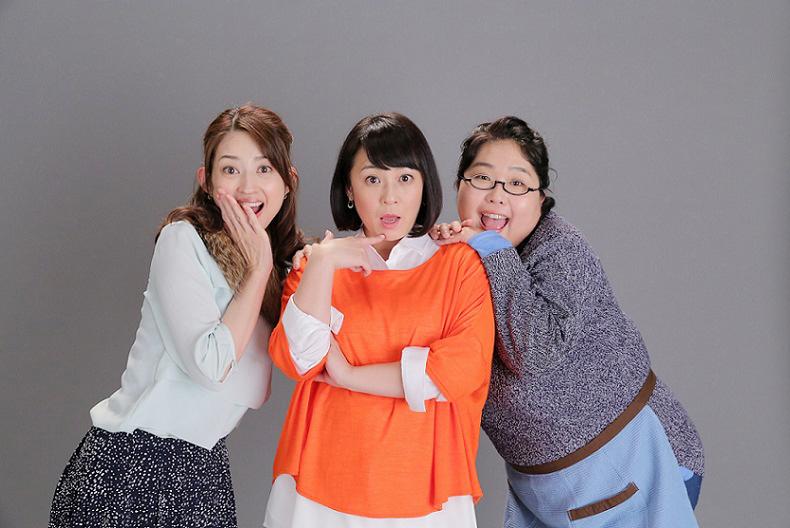Huluドラマ『東京ダラダラ娘』に出演する佐藤仁美(中央)、小沢真珠(左)、小林きな子(右)