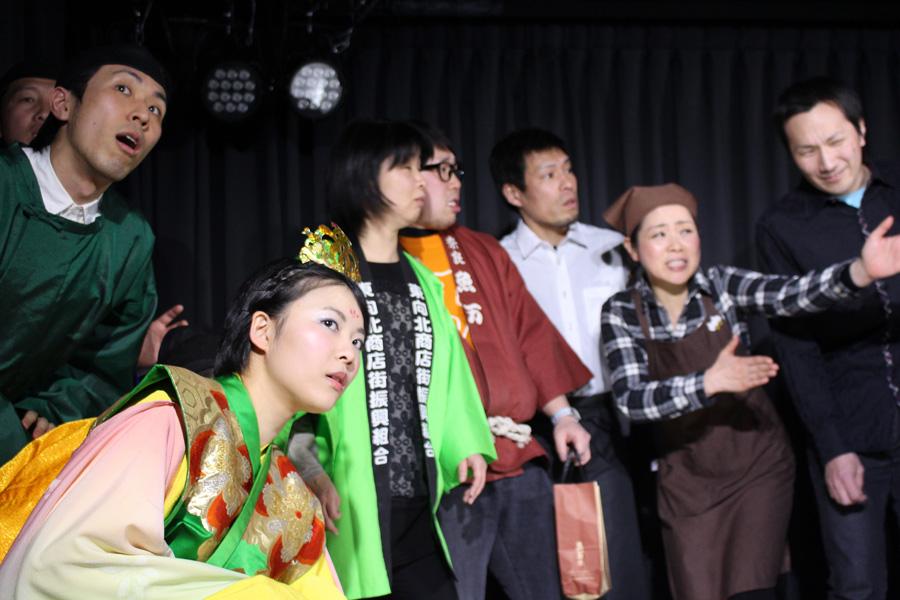 奈良市の8つの商店街を舞台に、奈良時代全盛期の天平人が現代に甦る手づくりファンタジー演劇が2月25日・26日に開催