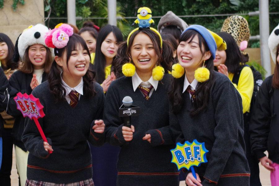現役中高生のタレント、左から鶴嶋乃愛、岡田結実、日達舞