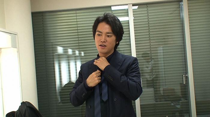 桐谷健太は1980年大阪府出身。幼少期から役者を志し大学入学を期に上京。俳優養成所で演技を学んだ後に2002年テレビドラマで俳優デビュー