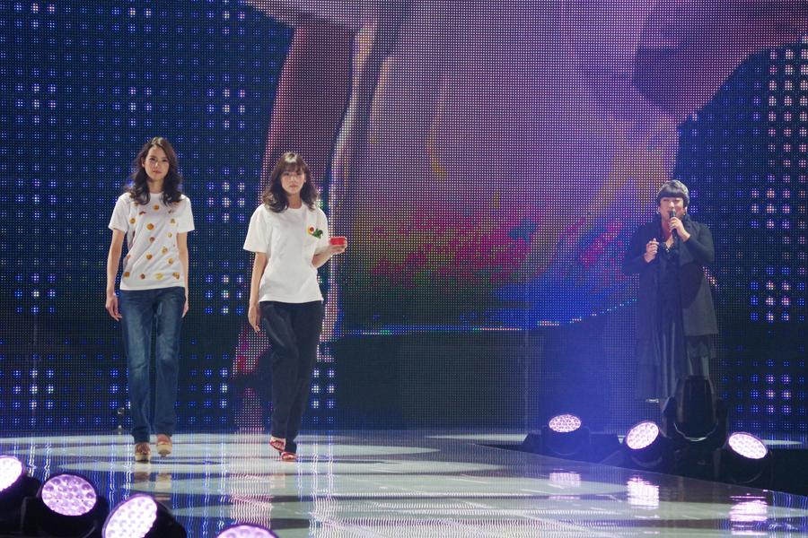 YOKO FUCHIGAMIが発表したカレーの「こぼし」TシャツとバーニャカウダTシャツ