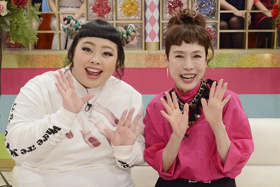 バラエティ特番で異色のタッグを組んだ久本雅美(右)と渡辺直美