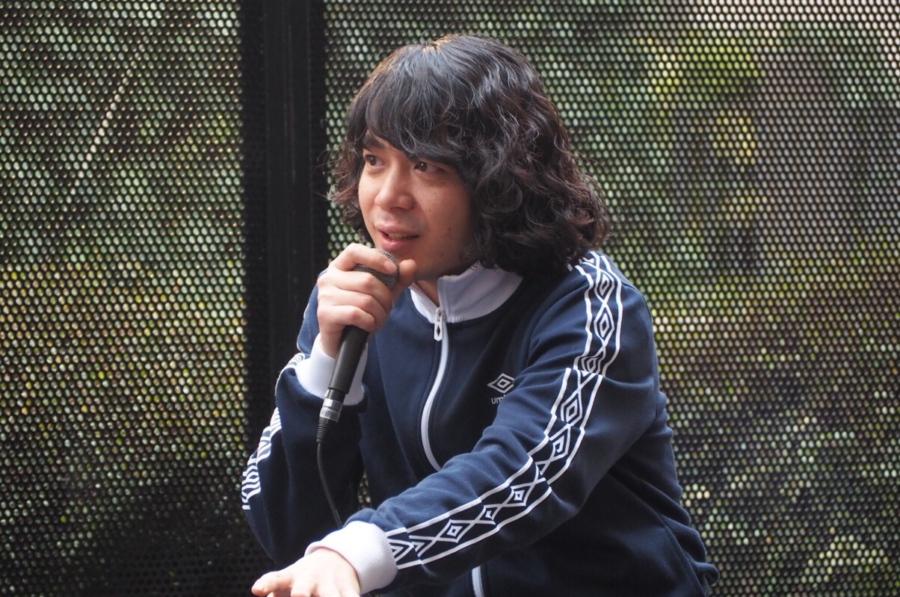 「細かくはまだ言えないんですけど、バンドのほうでいろいろやってるんですよ今。楽しみにしといてください」と話した峯田