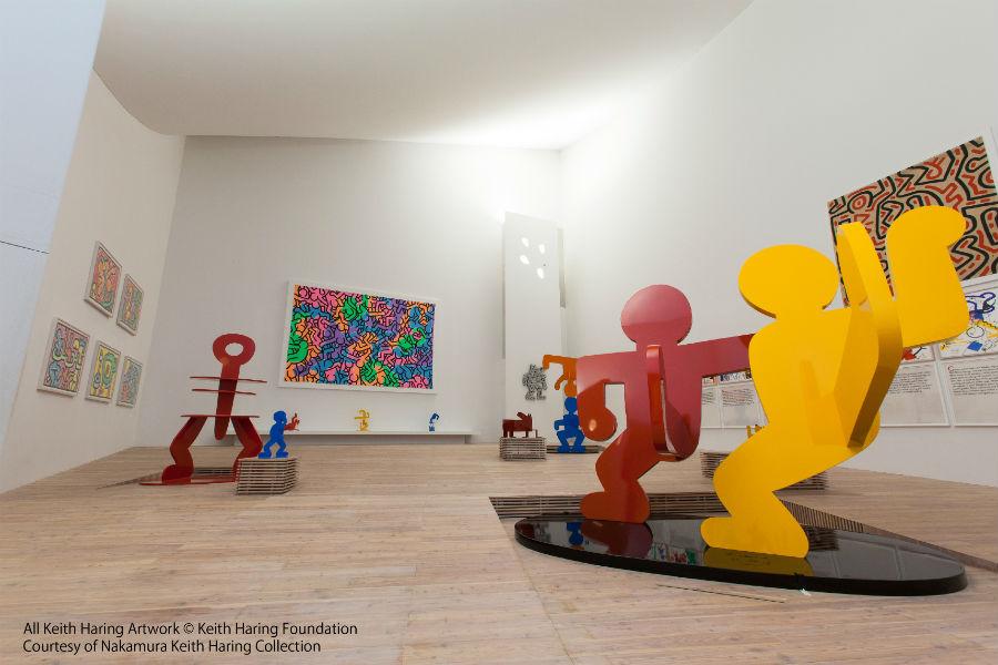 「中村キース・ヘリング美術館」の館内、展示風景