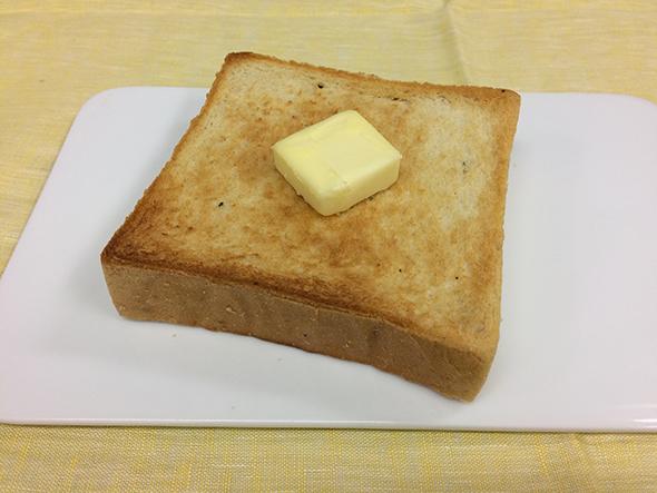 厚めにカットし、トーストすれば、サクッもっちりの仕上がり。トリュフの香りがたまらない