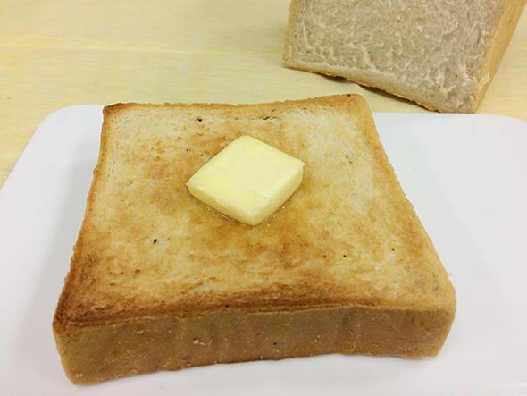 卵と相性のいいトリュフ。半熟の目玉焼きをのせれば、豪華な朝食に