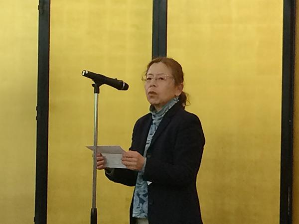 織田作之助賞の選評を述べる作家の高村薫さん(3月6日・大阪市内)