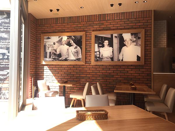 1953年創業、全米に140店舗をかまえる老舗。古き佳きアメリカを感じさせる写真が店内に飾られる