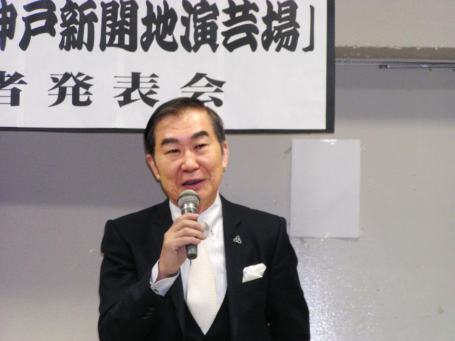 会見時の桂文枝会長(13日、神戸市兵庫区)