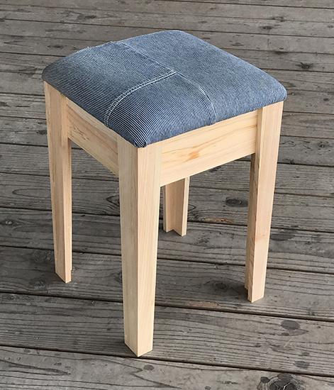 木工家・賀来寿史さんのワークショップは3月26日開催。思い出のジーンズがスツールに