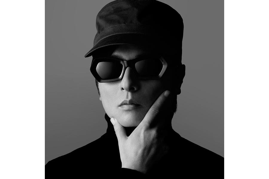 待望のニューアルバム『EMO』をリリースするTOWA TEI