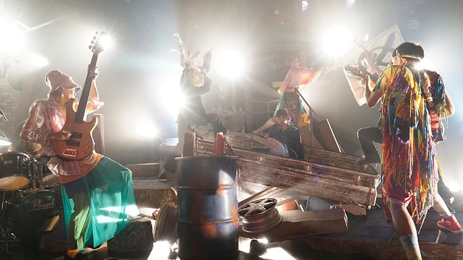 石塚も出演した悪い芝居の前作『メロメロたち』(2016)より 写真/竹崎博人