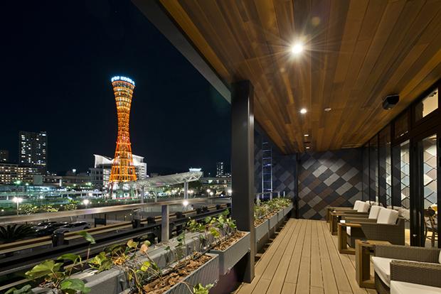 「スターバックス コーヒー 神戸メリケンパーク店」2階テラスからの夜景