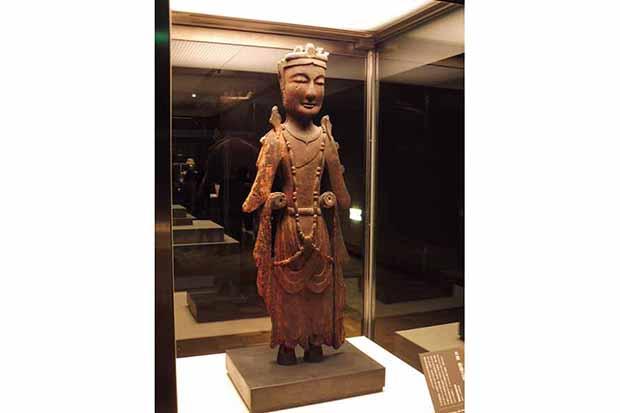 《菩薩立像》飛鳥時代(7世紀)東京国立博物館