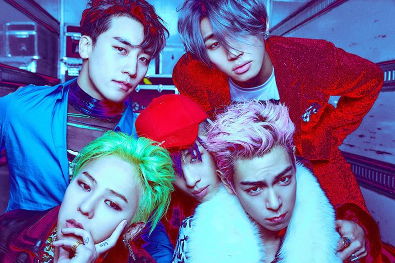 T.O.P(写真右下)入隊後初となるBIGBANGのスペシャルイベント