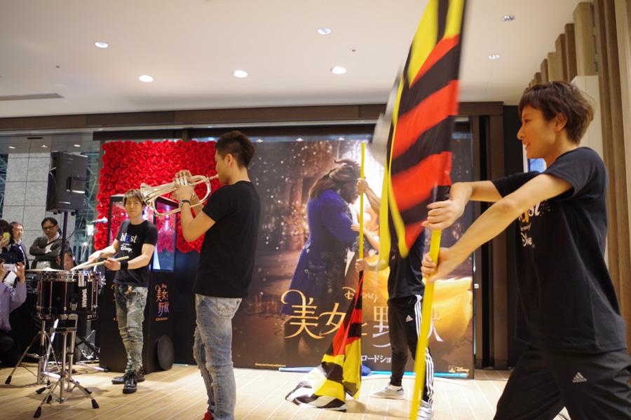 左からパーカッションの石川直、トランペットの米所裕夢、ビジュアル・アンサンブルの和田拓也と藤井麻由(27日、ルクアイーレ)