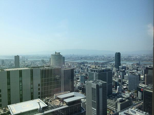 「コンラッド大阪」38階からの眺望