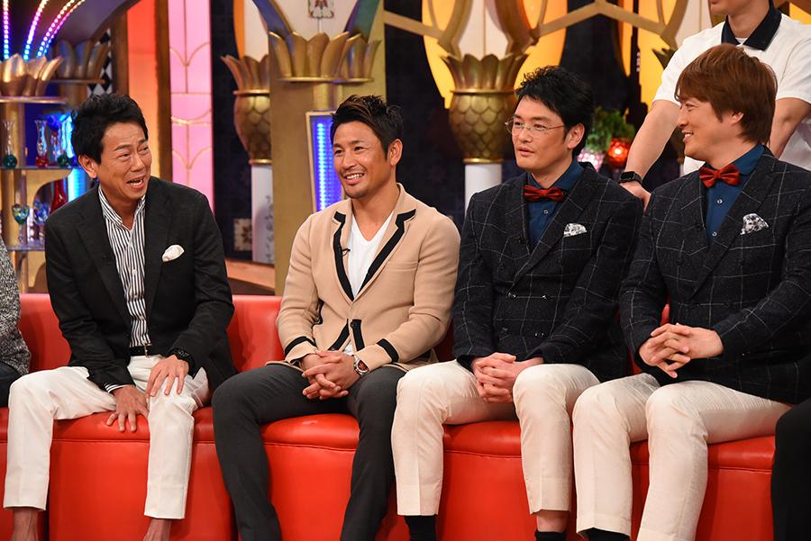 ゲストには、「女性のパンティー」について語った東幹久ら(左)