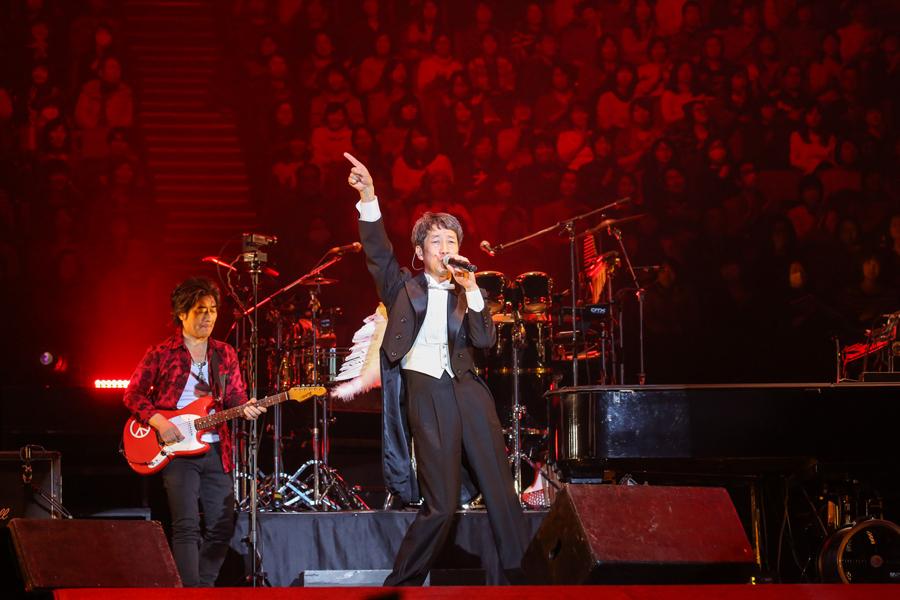 徹底的にエンタテインメントにこだわったKAN(2月12日・大阪城ホール)