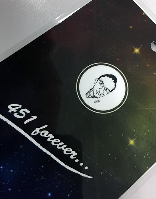 横井氏の似顔絵が描かれた『星屑の隙間に木村基博』関係者パス