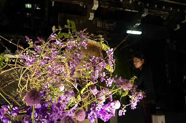 今年は「花の力」がテーマ。生きている花を通して、人の祈りの心や込められた想いを伝える