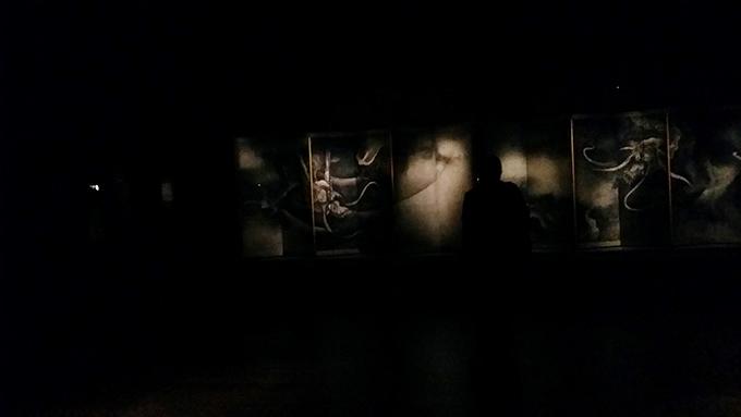ポスターなどのメインビジュアルでも登場。画龍の名手で知られた友松の代表作のひとつ「雲龍図屏風(重要文化財)」/北野天満宮(京都)