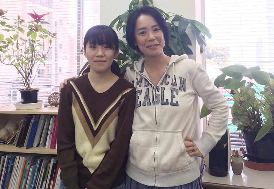 映画祭エグゼクティブディレクターの河瀬直美監督(右)と井樫彩監督