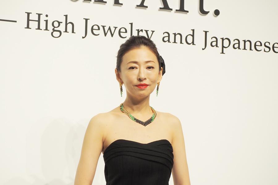 「京都国立近代美術館」に登場した松雪泰子(28日、京都市左京区)