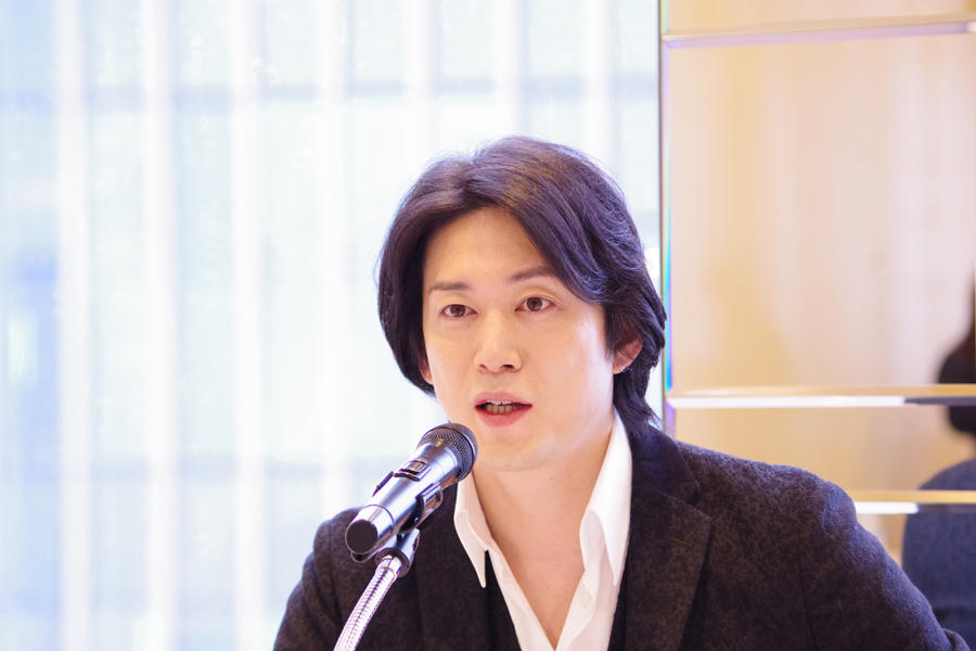 「大阪のお客さんは、いい意味ではっきりしている。良いときは良い、ダメなときはダメという反応がはっきりしていて、外国っぽい」と宮尾