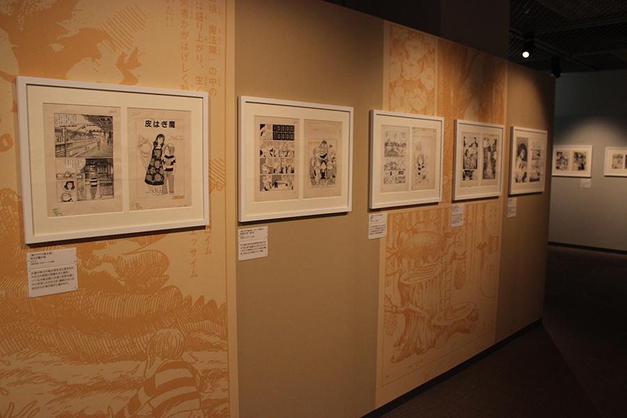 売れっ子漫画家となった時代の代表作をジャンル毎に紹介した展示