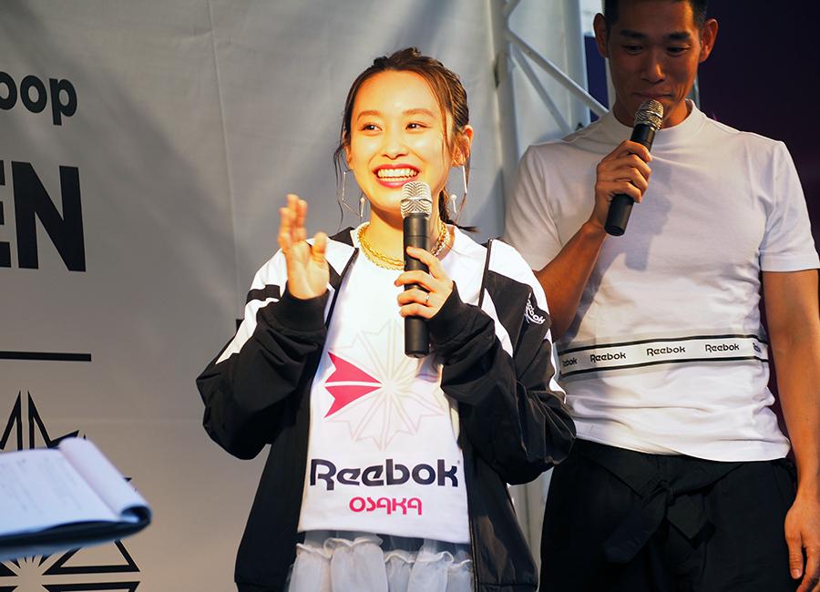「リーボック クラシックストア あべのHoop」のオープニングイベントに登場した高橋愛(28日・大阪市内)