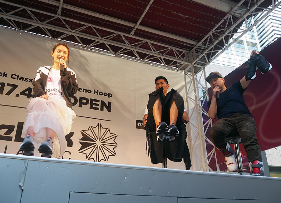 HGが大絶賛した高橋愛のグレー×ピンクのコーディネイト(28日・大阪市内)
