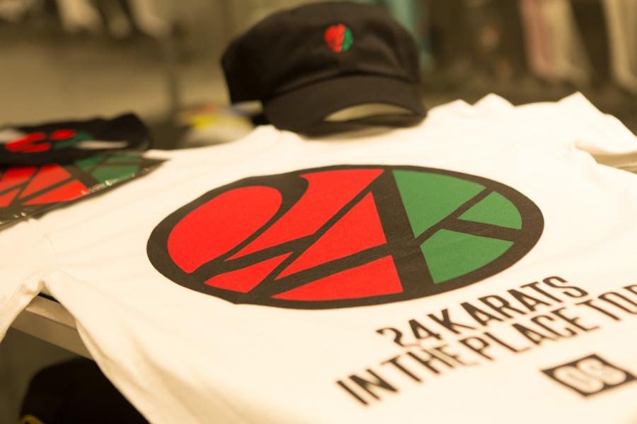 ブランド創立のロゴと、大阪の市外局番「06」をプリントした限定Tシャツ6264円