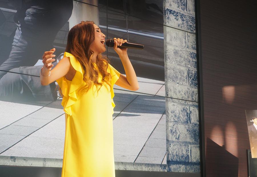 カンテレでおこなわれたドラマ『CRISIS』イベントに登場した歌手・Beverly(22日・大阪市内)