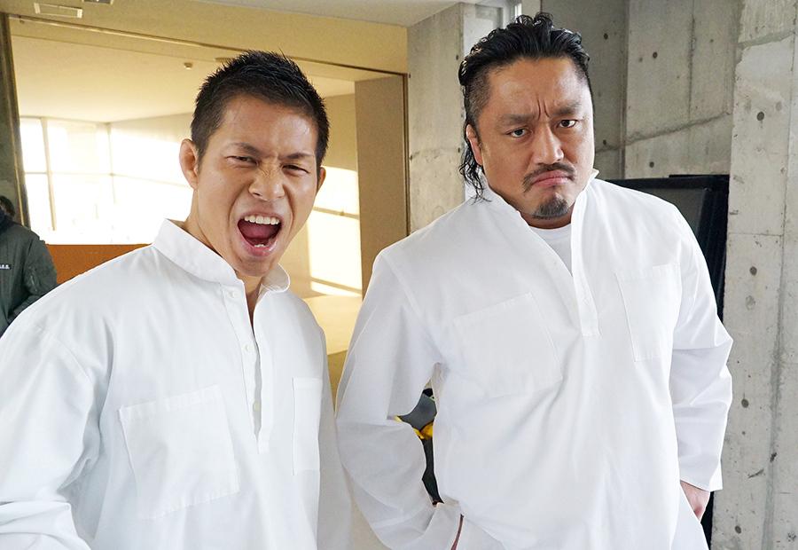 ドラマのバトルシーンに参加した土井成樹(ドラゴンゲート・左)と後藤洋央紀(新日本プロレス・右)