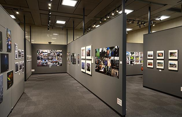 2016年の「写真家150人の一坪展」会場風景