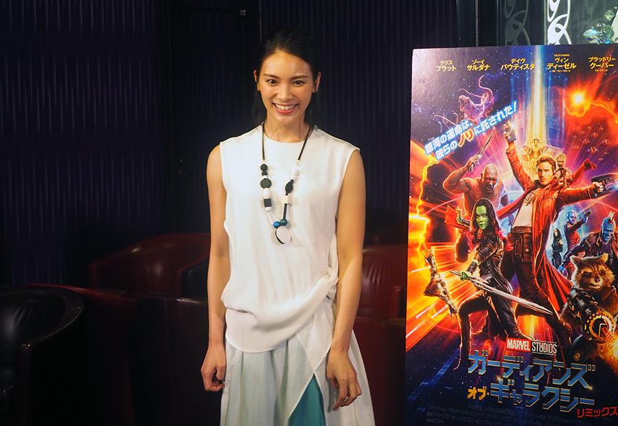 映画公開記念イベント終了後、囲み取材に応じた女優・秋元才加(10日・大阪市内)