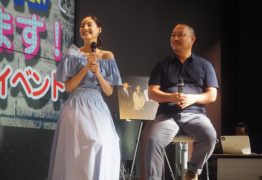 ドラマ『CRISIS』トークを繰り広げた女優・新木優子と演出の白井啓一郎さん(22日・大阪市内)
