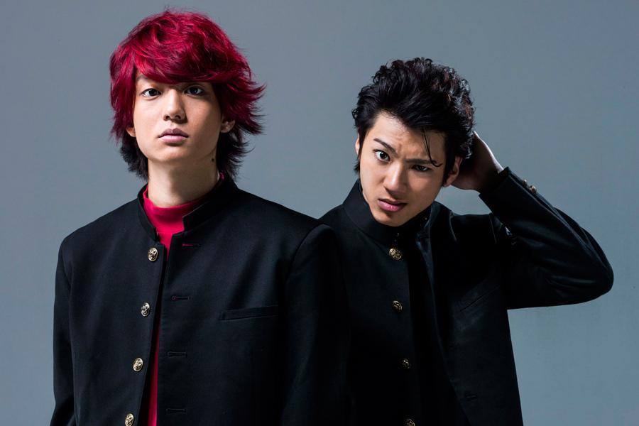 (左から)佐田正樹役の健太郎、合屋厚成役の山田裕貴