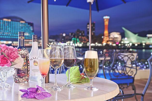 神戸港の夜景を突堤から楽しめる「ラ・スイート神戸オーシャンズガーデン」のテラス