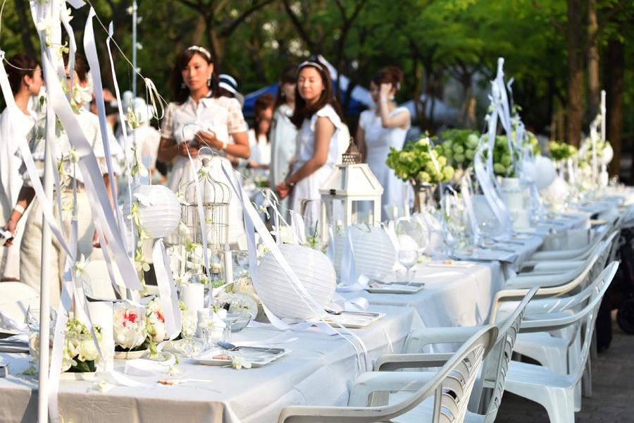 細かな装飾もみな参加者が、思い思いにテーブルをコーディネート