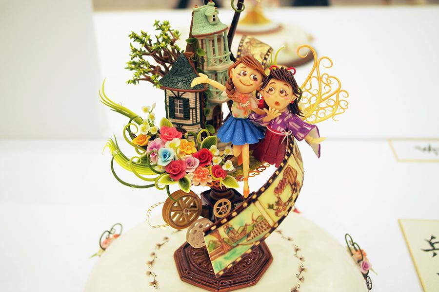 昨年、「デコレーションケーキコンテスト」Aクラス第1位、兵庫県知事賞に輝いた「菓樹工房ユーカリプティース」の石床真弓さんの作品